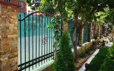 Как се поставя оградна мрежа?